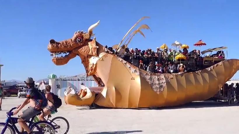 burning man sculpture_ charrue- 2014-insolite-dragon