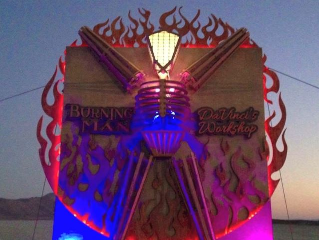 Construction-burning Man- sculpteur visionnaire Frank Somma 2016-3