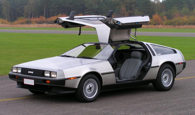 La _DeLorean _voiture_ mythique_ bientôt en_ production.
